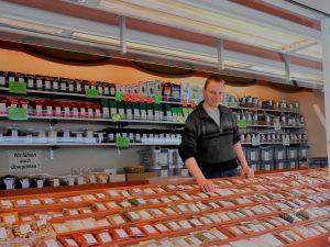 Gewürze auf Regionalmarkt bei der Vogelschmiede